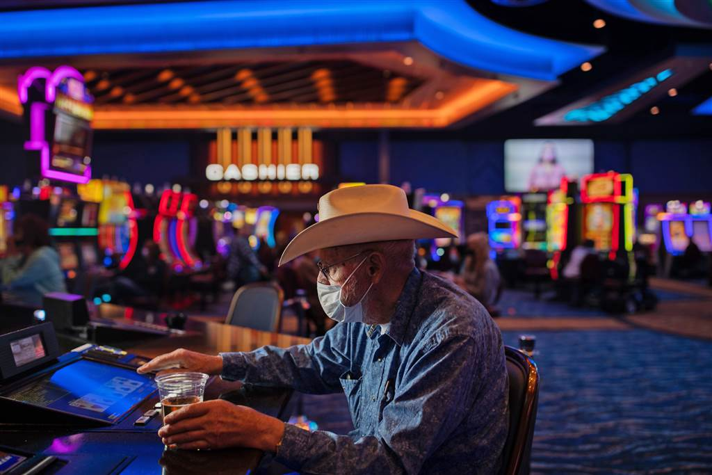 Tremendous Simple Simple Ways The Pros Use To advertise Casino.